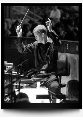 Craig Kier conducting
